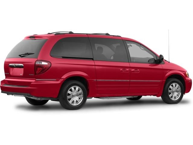 Used 2007 Chrysler Town & Country Touring with VIN 2A4GP54L47R100799 for sale in Fergus Falls, Minnesota